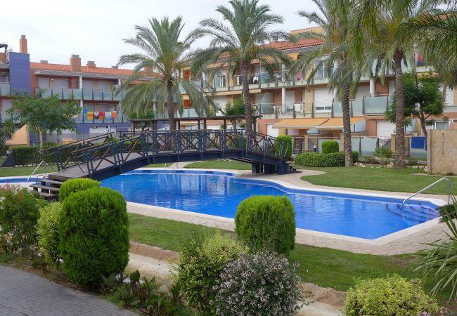 Ferienwohnung in Cambrils - 7308-PORT MARINO Planta Baja 3 Piscinas y Jacuzzi